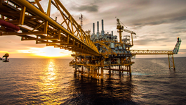 Energy-oil-and-gas-refinery-lng