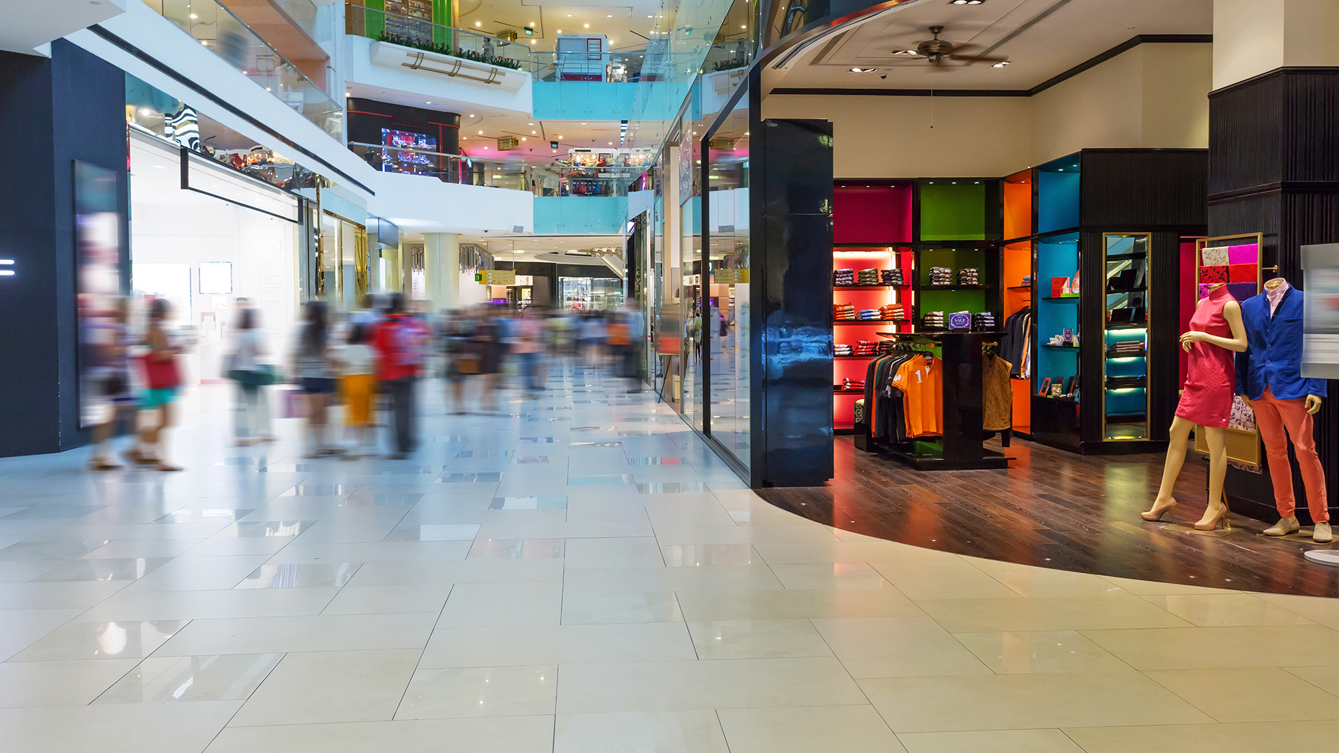 Mall-shopping-crowd-stall
