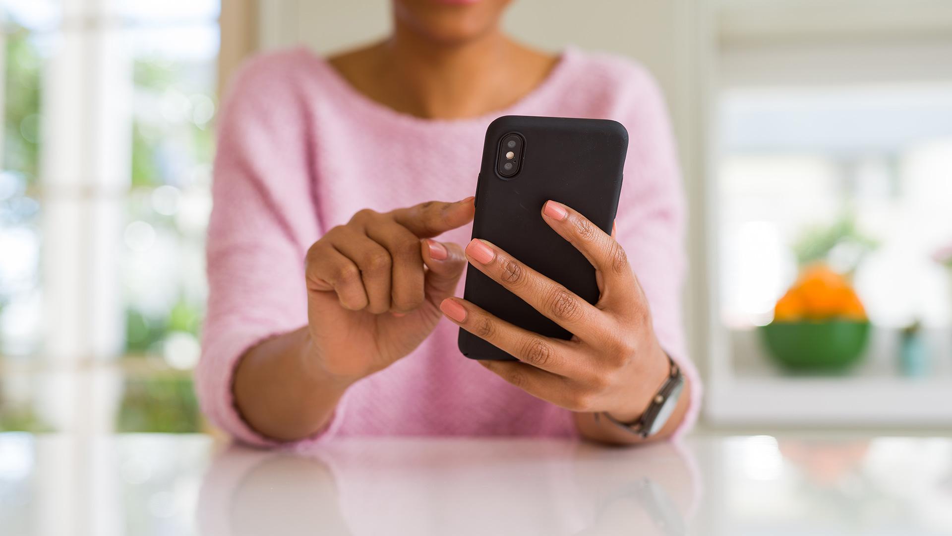 woman on mobile browsing
