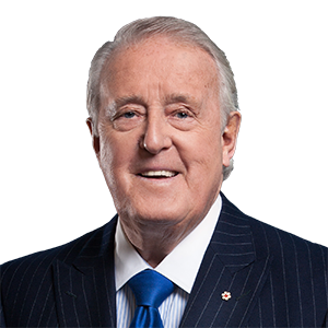 M. Brian Mulroney, C.P., C.C., LL.D. (Le très honorable)