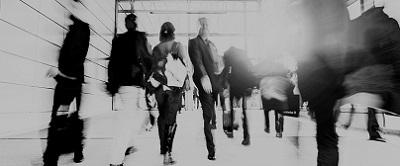business-crowd-walking