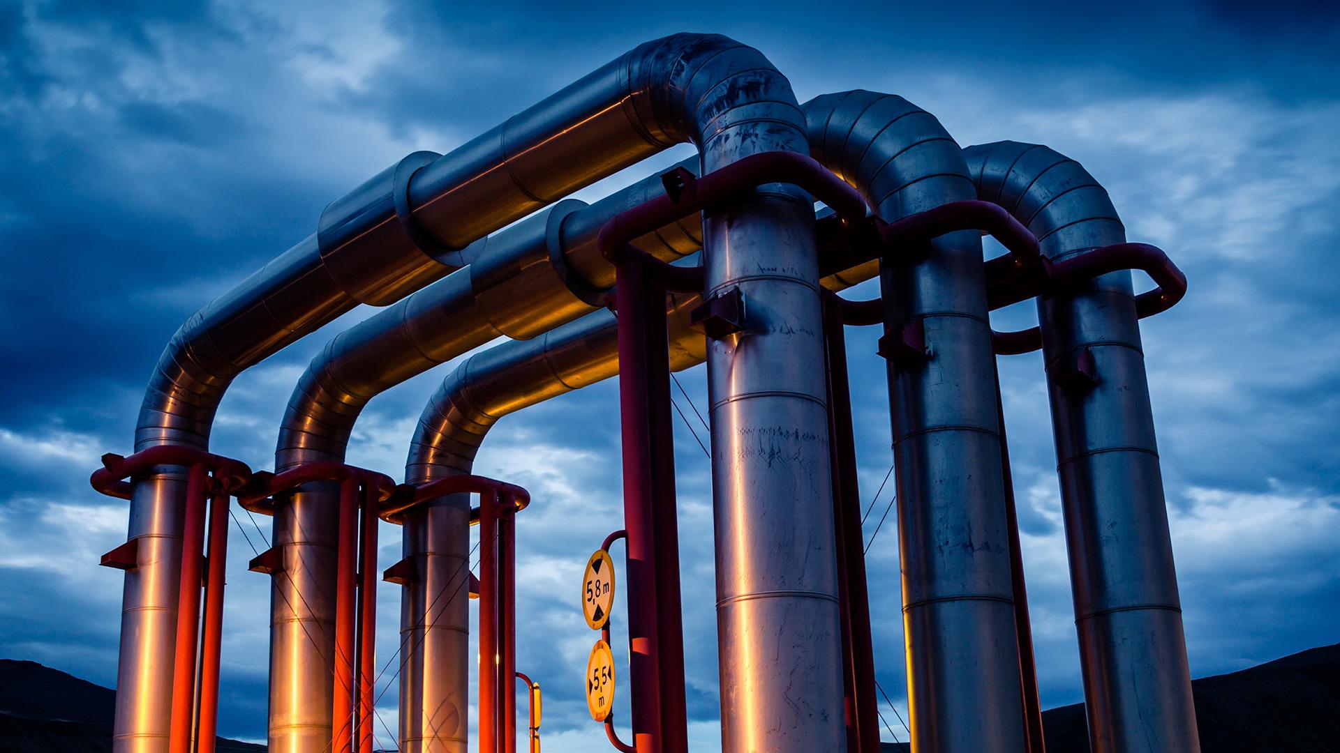 Système d'oléoducs géothermiques la nuit
